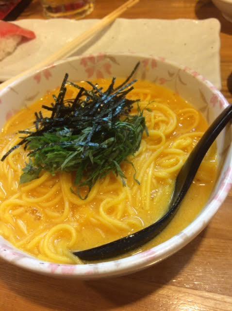 石垣島の居酒屋「ひとし」で食べた生ウニのソーヤチャンプルーの写真