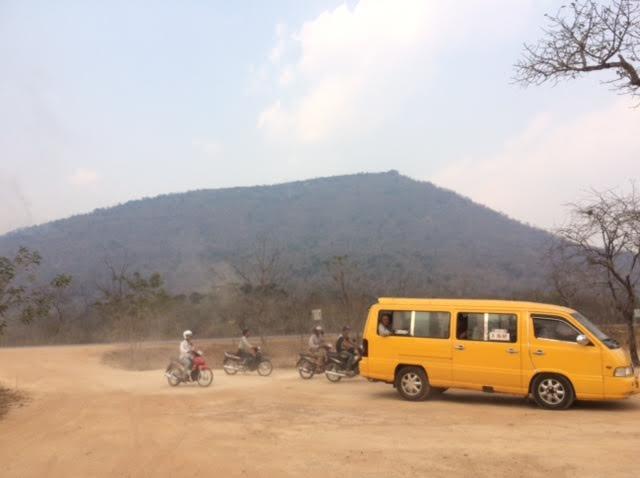 カンボジアひとり旅で見たプレアヴィヒア寺院の写真