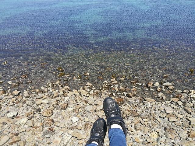 バイクひとり旅で訪れた友が島の写真