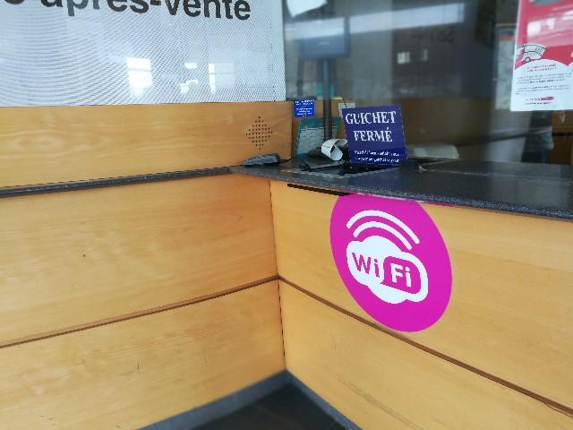 モンサンミッシェルまでのバスがあるレンヌのバス待合所で撮影した写真