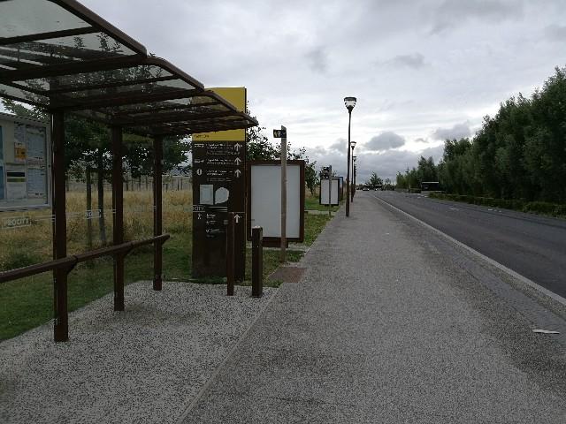 モンサンミッシェルのバス停の写真