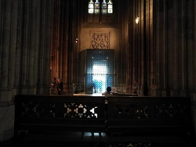 ケルン大聖堂の内部の写真