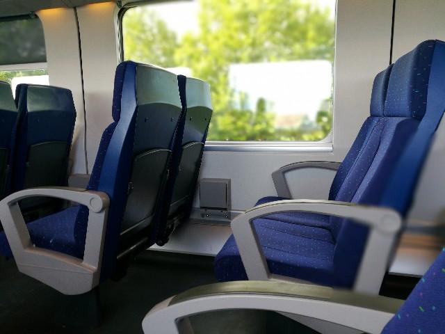 ブルージュ行きの列車の中の写真