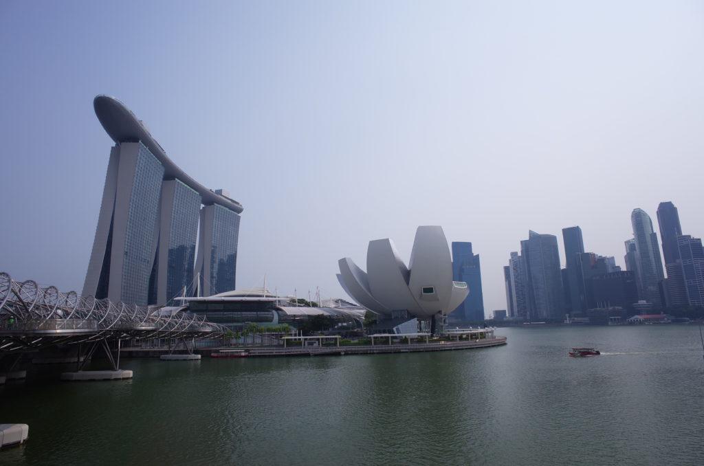シンガポール一人旅で訪れたマリーナベイサンズの写真