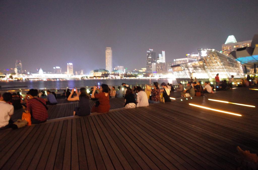 シンガポール一人旅で見たナイトショーの写真